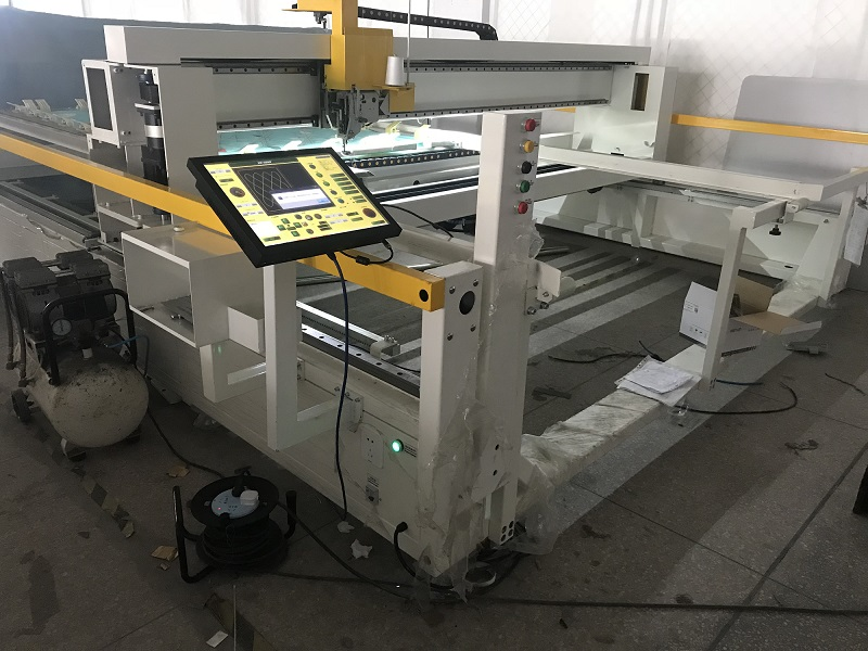 Export single needle quilting machine to Spain
