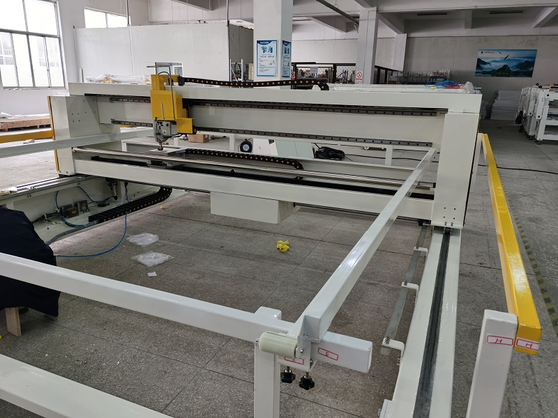 Export HFJ-S260 single needle quilting machine to Spain